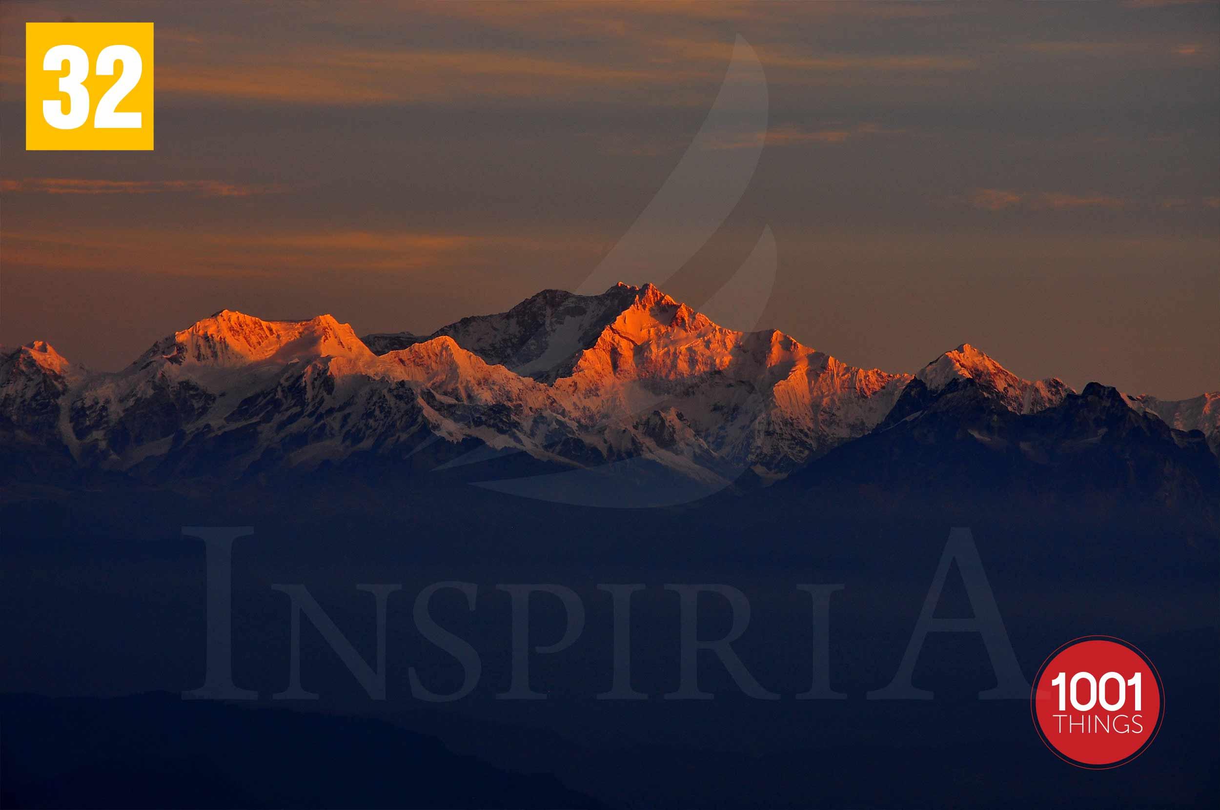 tiger hill darjeeling sunrise