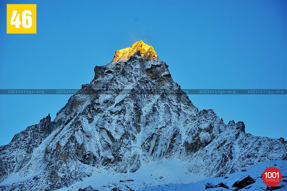 Sunrise-at-Freys-Peak-Chaurikhang-Sikkim