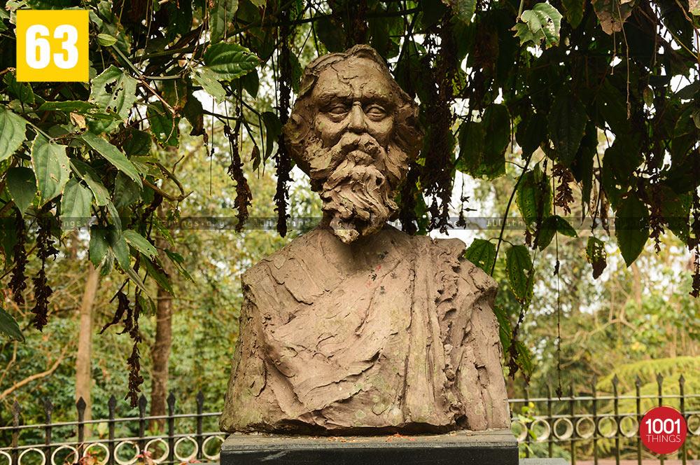 Rabindranath Tagore's Statue at Mungpoo