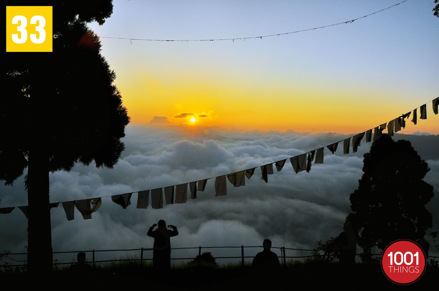 Cloudy-sunrise-at-darjeeling-wb