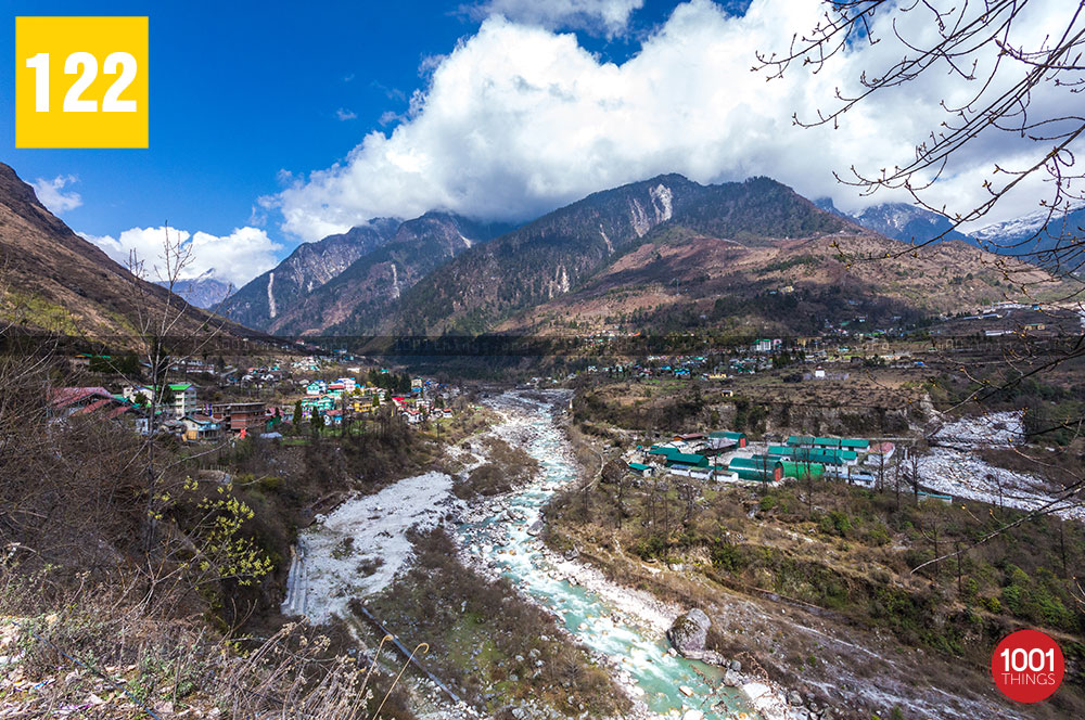 Lachung-divided-by-a-river