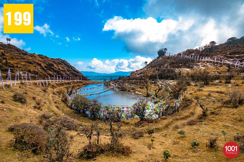 kalapokhri lake sandakphu